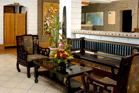 ヴィラリシ ホテル&レストラン フロント
