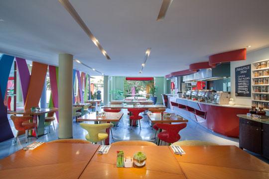 オールシーズンレギャンバリ Colours Café(インターナショナル料理)