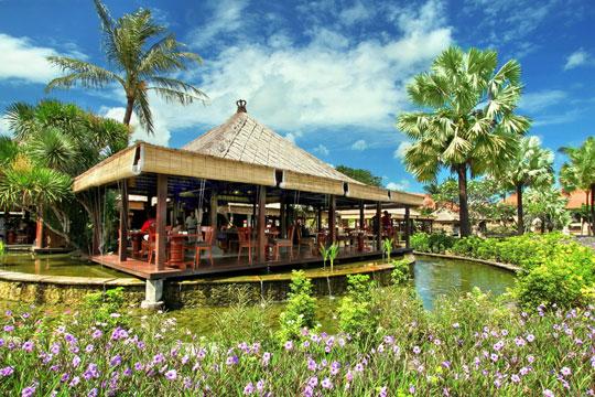 アヤナ リゾート&スパ バリ パディ(タイ、インドネシア、インド料理)