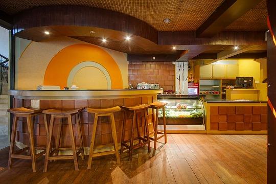 バリ バンガロー レストラン