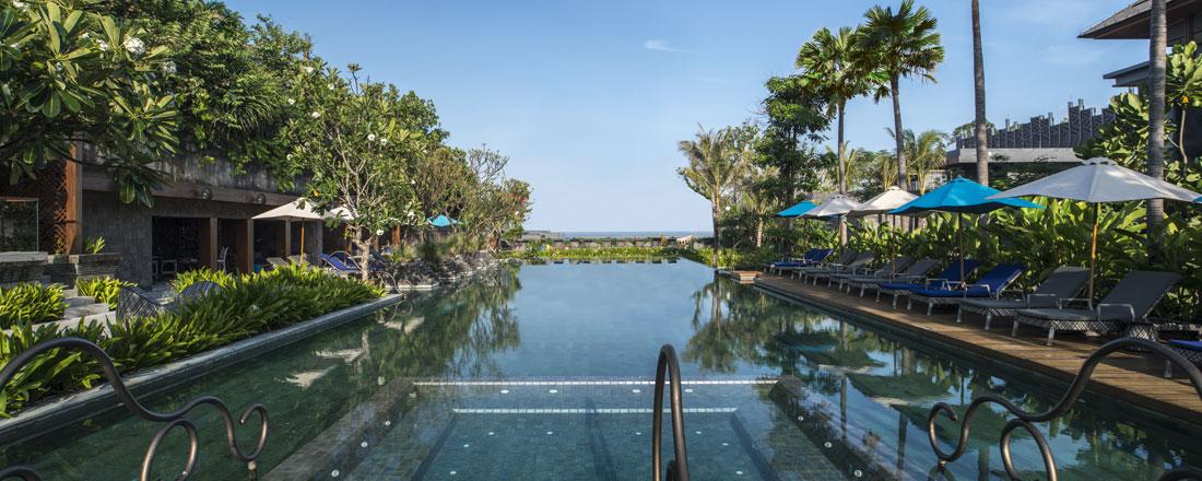ホテル インディゴ スミニャック ビーチ メインプール