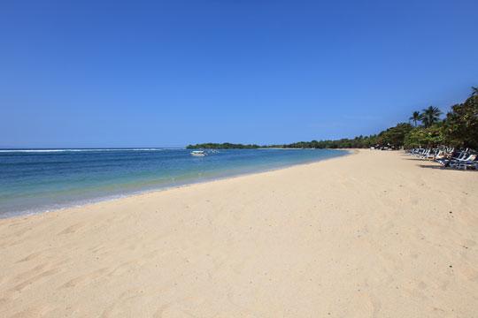 ヌサドゥア ビーチ ホテル & スパ ビーチ