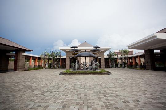 ソフィテル・バリ・ヌサドゥアビーチ・リゾート エントランス
